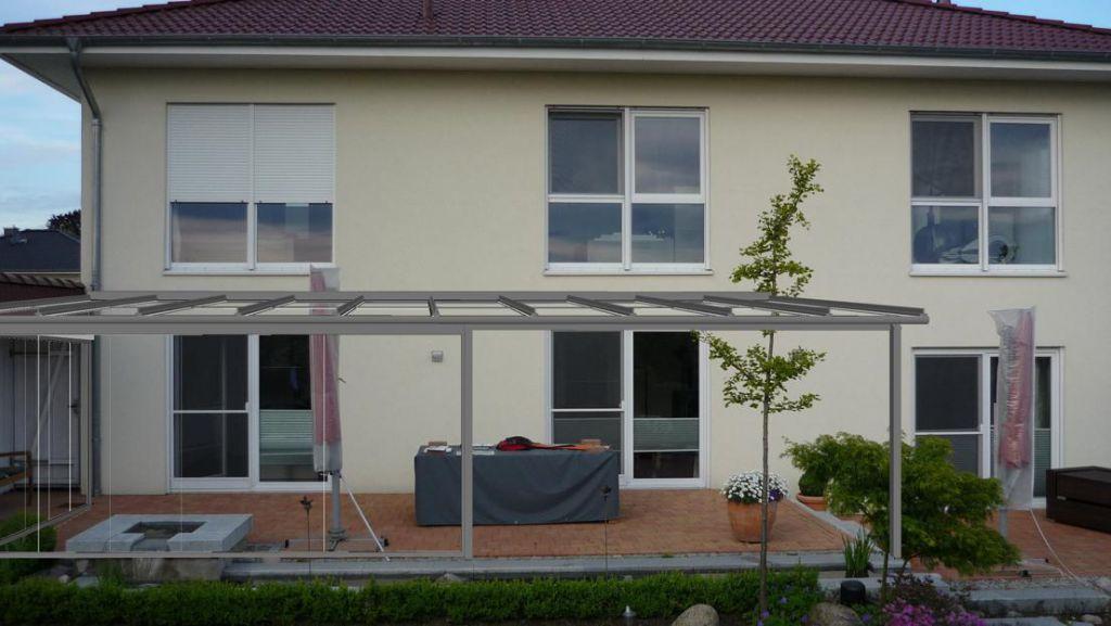 Installation des Solarlux Glashaus Atriums mit SL25 Schiebe-Dreh-System in Ellerhop