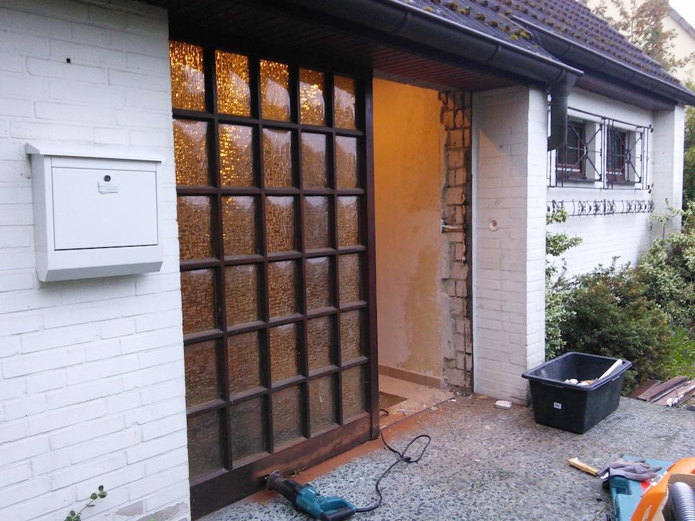 Installation der neuen Kompotherm Kotherm 96 Haustür in Heist