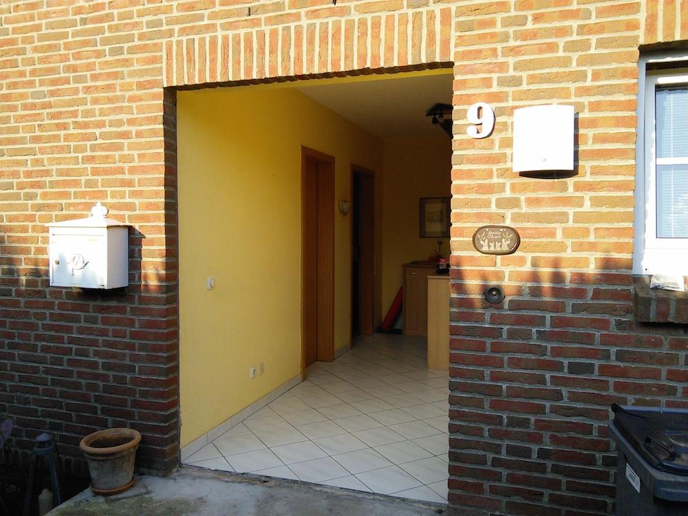 Installation der neuen Kompotherm Haustür aus der Baureihe KO 80 HD in Pinneberg