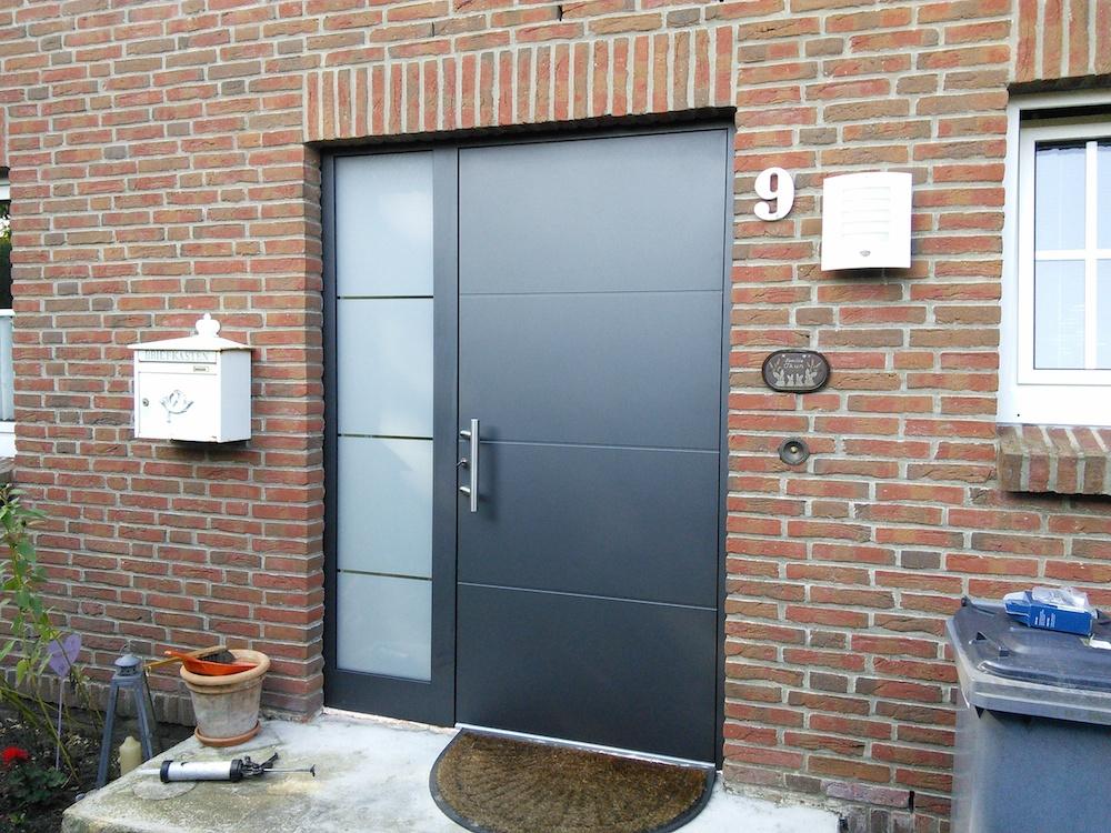 Aussenansicht Kompotherm Haustür aus der Baureihe KO 80 HD in Pinneberg