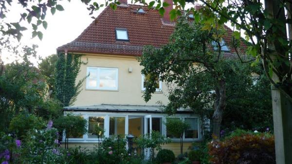 Aussenansicht Solarlux Wintergarten Avantgarde in Hamburg-Bahrenfeld