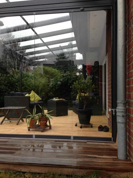 Blick in das Solarlux Glashaus in Hamburg-Eidelstedt