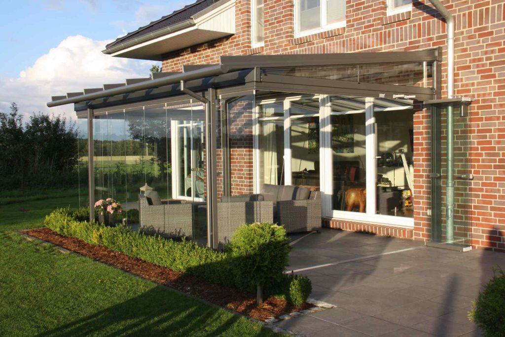 Aussenansicht seitlich Solarlux Glashaus in Lüneburg