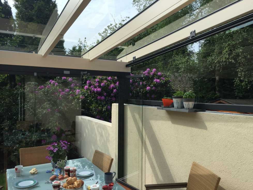 Dachkonstruktion des Solarlux Glashaus SDL Aura Holz-Alu in Appen
