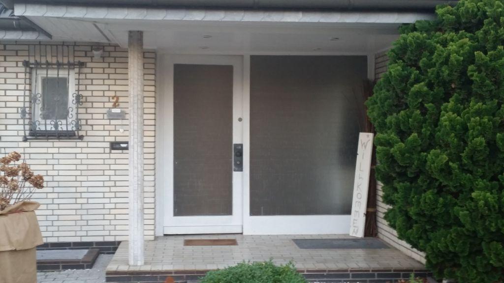 Vor der Installation der neuen Haustür in Schenefeld