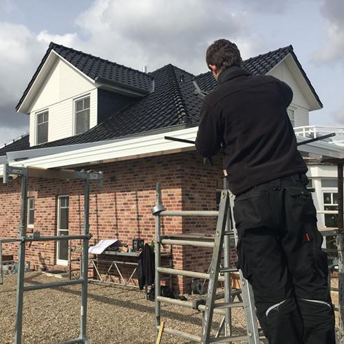 Monteure & Montageleiter (m/w) für den Einbau von Haustüren, Fenster, Markisen und Wintergärten gesucht