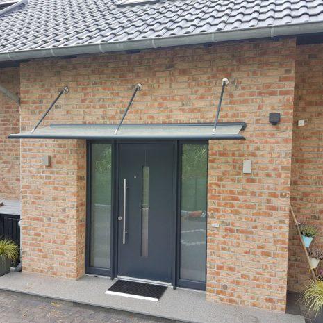 Kompotherm Vordach Zulegro in Buchholz nach Fertigstellung