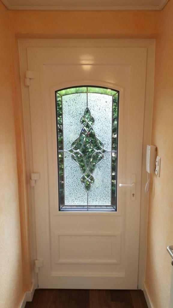 Innenansicht der Kompotherm Van Gogh 8V Haustür mit Bleiverglasung in Schenefeld