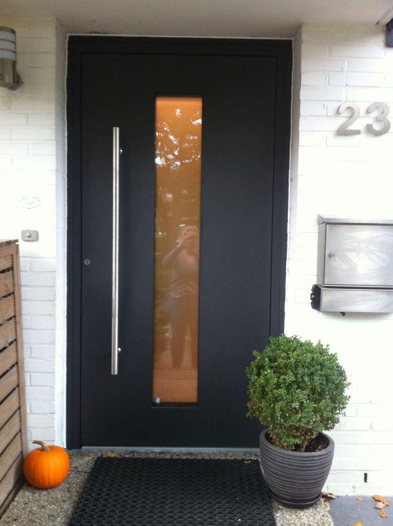 Kompotherm E-Design Haustür in Hamburg Aussenansicht